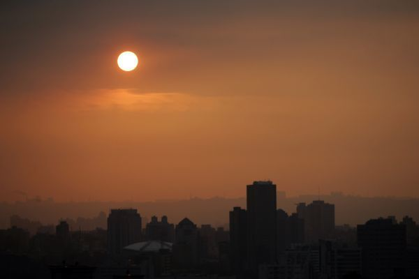 A view of Taipei city during sunset from Liu Zhang Li August 29, 2007. REUTERS/Nicky Loh (TAIWAN)
