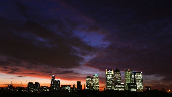 Canary Wharf, the financial district in the city of London, is seen at sunset October 12, 2009. REUTERS/Jerry Lampen (BRITAIN CITYSCAPE)