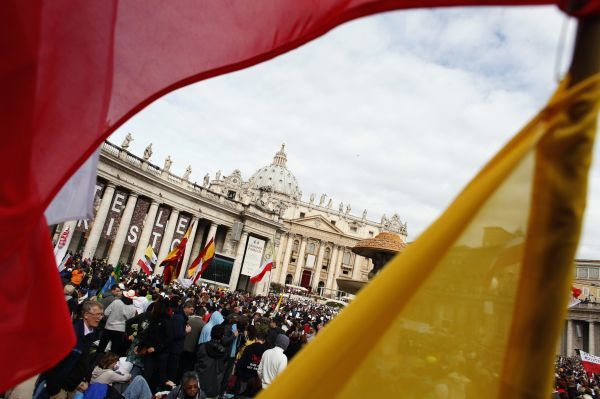 Pilgrims gather to take part in a beatification mass for the late Pope John Paul II at St. Peter's Square in Vatican May 1, 2011. The late Pope John Paul II was moved a major step closer to sainthood on Sunday at a ceremony that drew about a million