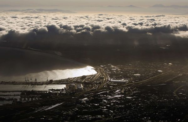 A general view of the Cape Town harbour seen from Table Mountain July 3, 2010. REUTERS/Ina Fassbender (SOUTH AFRICA - Tags: CITYSCAPE IMAGES OF THE DAY)
