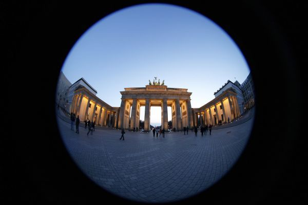 The Brandenburg Gate is pictured at Pariser Platz square in Berlin April 5, 2010. Picture taken with a fisheye lens. REUTERS/Fabrizio Bensch (GERMANY - Tags: CITYSCAPE TRAVEL)