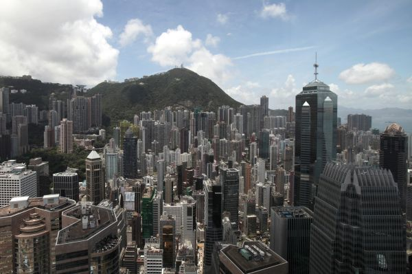 A view of Hong Kong's financial district is seen in Hong Kong July 8, 2010. REUTERS/Tyrone Siu (CHINA - Tags: POLITICS CITYSCAPE BUSINESS SOCIETY)